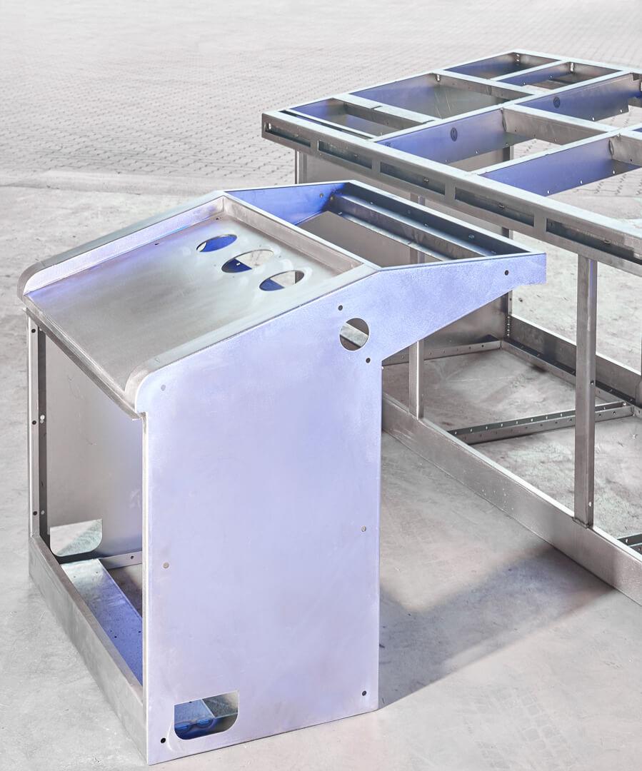Schaltpulte Blechbearbeitung Industrie Marine